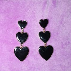 Black heart drop earings